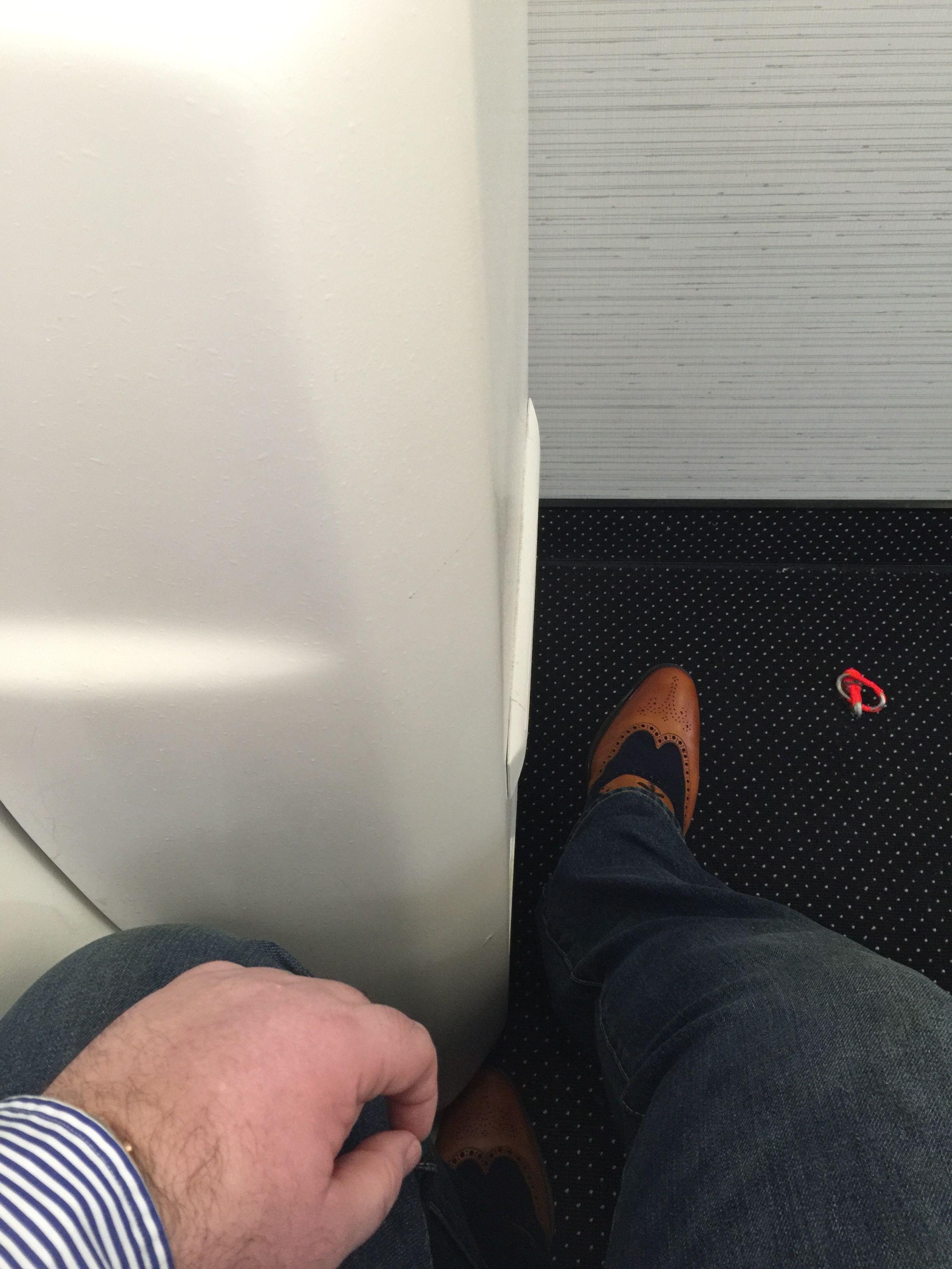 Airline seat  Wikipedia