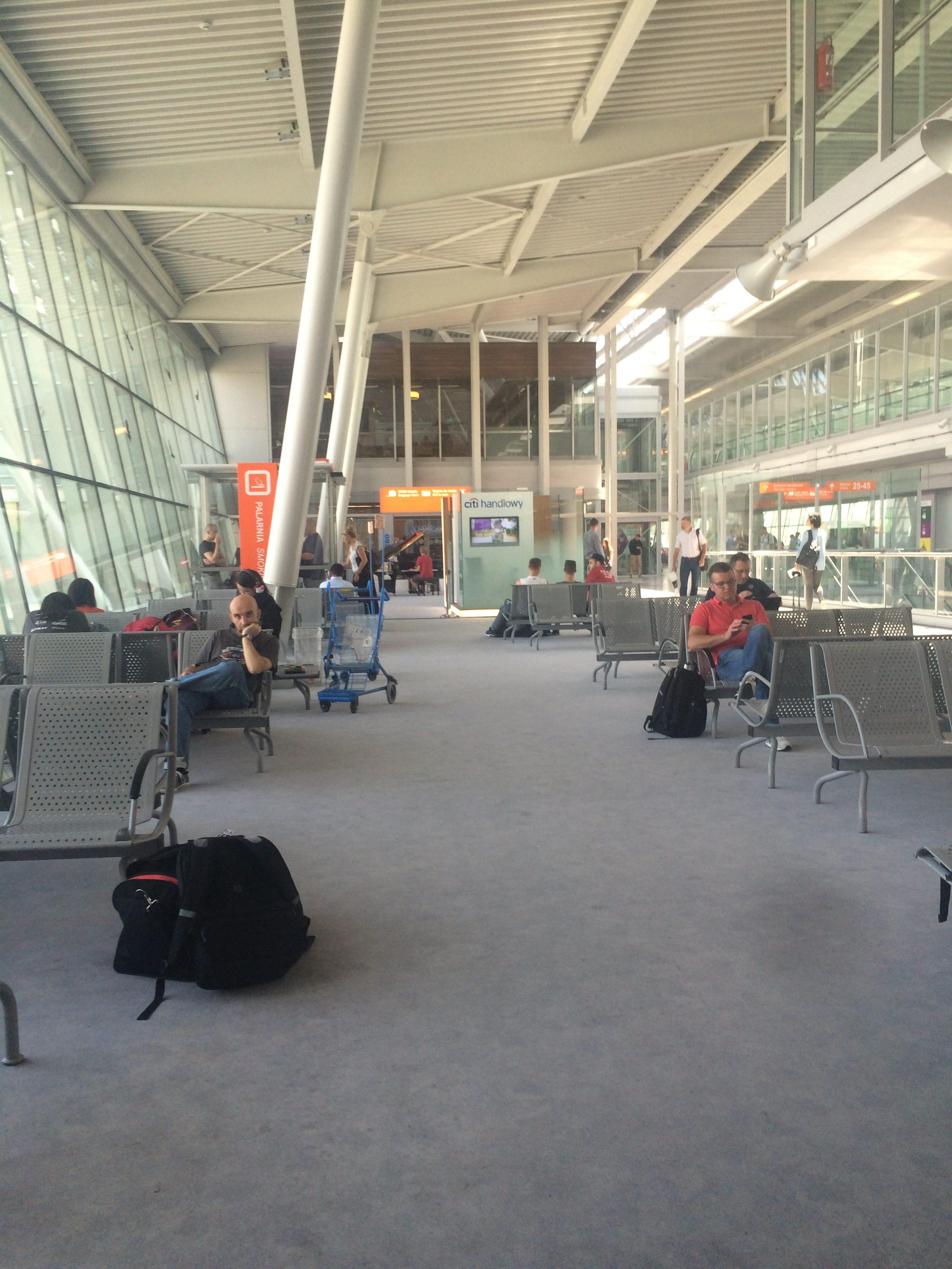 Aeroporto Waw : Warsaw chopin airport customer reviews skytrax