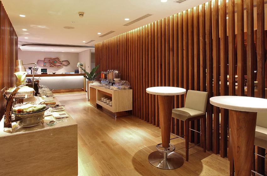 Garuda_J_Lounge_Catering