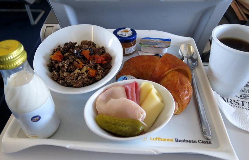 LH_FRA_Breakfast