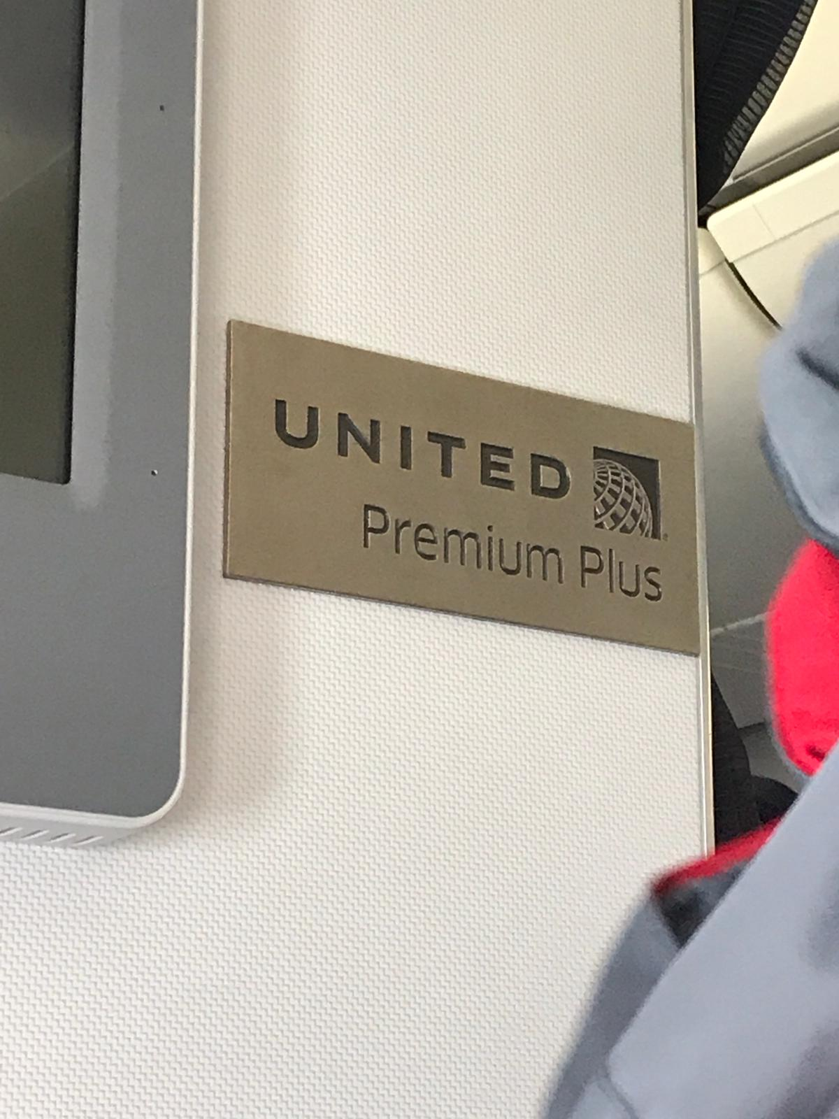 United Airlines Seat Reviews   SKYTRAX